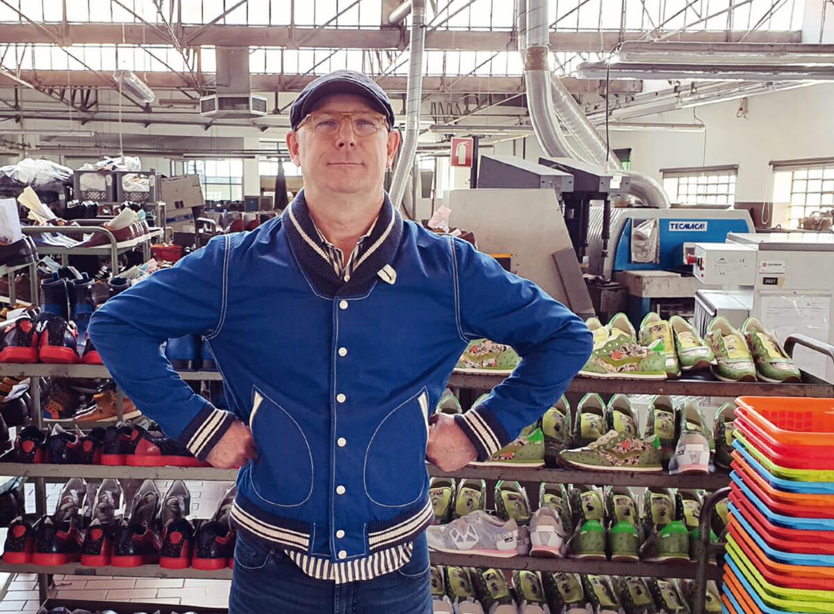 Gary Teriete von Pomp Norderney bei der Schuhproduktion in Portugal