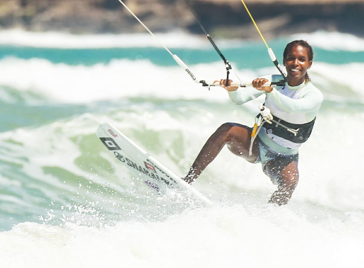 Irati Fonseca Kohler beim Kitesurfen