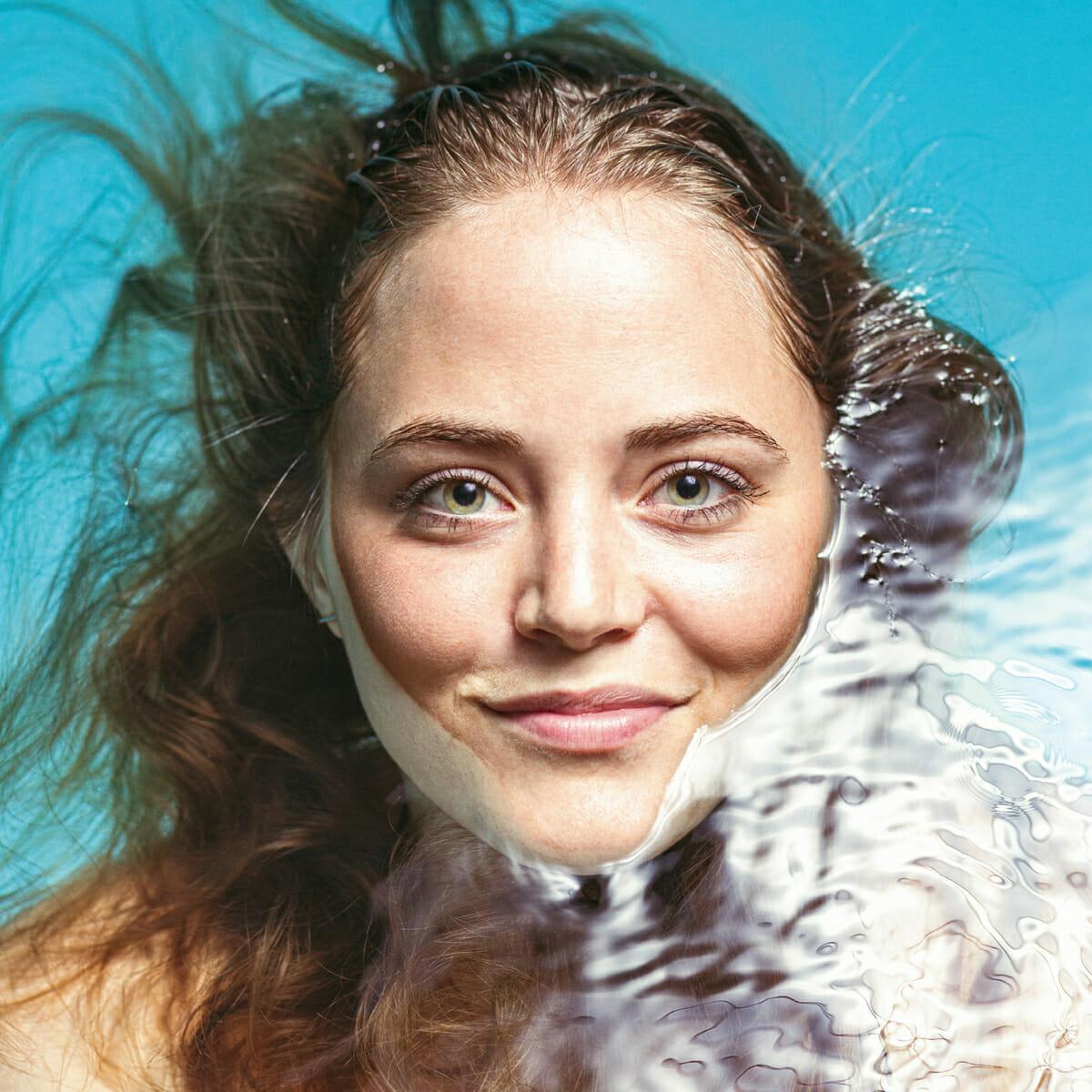 Porträtaufnahme der Norderneyer Inselbloggerin Hanna Eschenhagen.