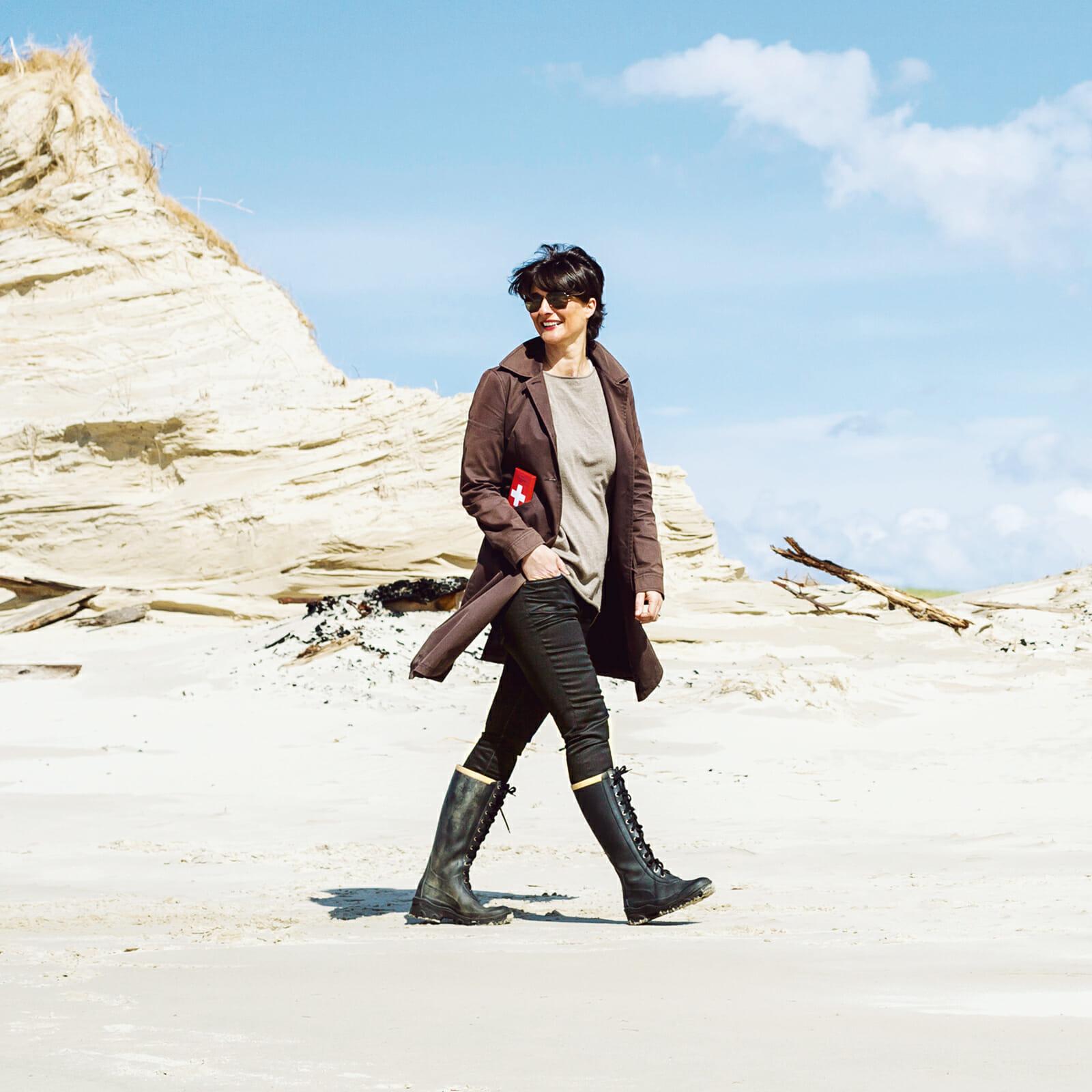 Schweizerin Sylvia Tommasi von Dünenbergen im Inselosten von Norderney