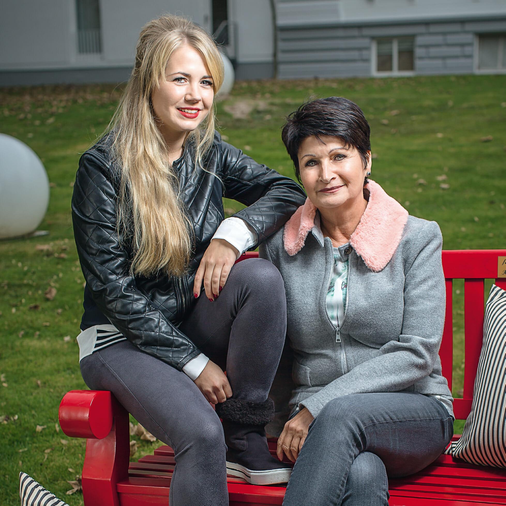 Karla Müller mit ihrer Tochter auf Norderney